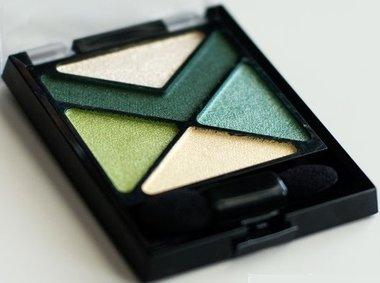 Maybelline Eye Studio Color Explosion Luminizing Eyeshadow Palettes - 15 Forest Fury