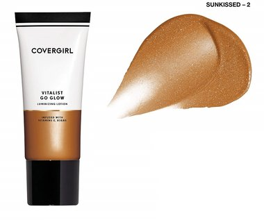Covergirl Vitalist Go Glow Luminizing Lotion - with Vitamins E, B3 And B5 - 002 Sunkissed